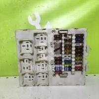Блок предохранителей Ford Transit Tourneo Connect 02-13