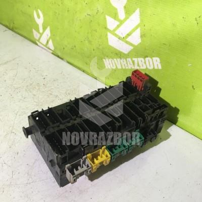 Блок предохранителей VW Golf 3 Vento 91-97